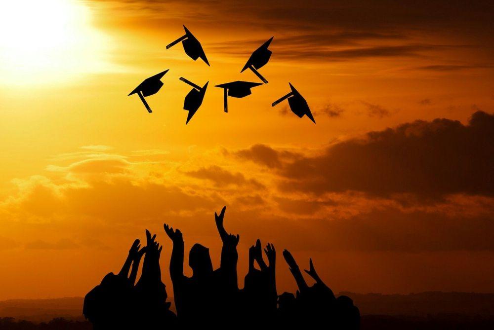 2020年学卒初任給調査 大学卒は前年比+1,042円の209,014円