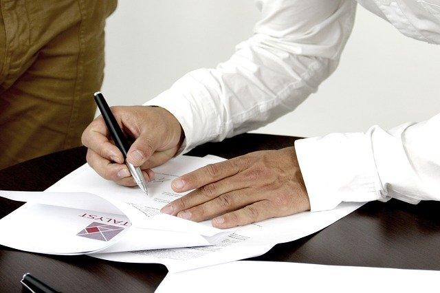 就業規則と労働契約書の労働条件が異なるとき、どちらが優先されますか?