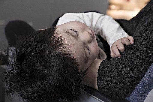 厚労省から子の看護休暇・介護休暇の時間単位取得の規定例が公開されました